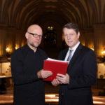 Übergabe Petition Hamburger Rathaus an den 2. Bürgerschaftspräsidenten der Hamburger Bürgerschaft Herrn Dr.Dietrich Wersich